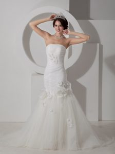 Beautiful Mermaid Strapless Tulle Wedding Dress with Hand Flowers in Sale