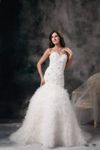 Elegant Mermaid Sweetheart Prom Wedding Dress with Feather and Beading