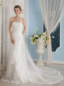 Wonderful A-Line Strapless Wedding Dress with Appliques on Sale