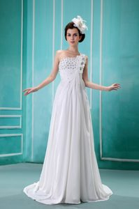 Nice Beaded Ruche One Shoulder Chiffon Wedding Dress with Handmade Flower