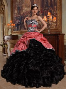 Red and Black Sweetheart and Organza Quinceanera Dress with Pick-ups