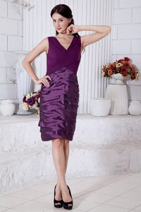 Cheap V-neck Straps Knee-length Ruched Dark Purple Mother of Bride Dress