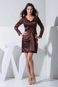 Burgundy V-neck Long Sleeves Mini-length Beaded Mother of Bride Dresses