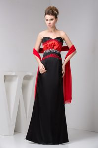 Sweetheart Long Black and Red Ruched Beaded Mother Bride Dress with Shawl