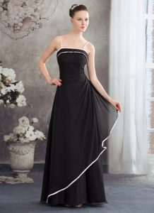 Sheath Black Mother of the Bride Dress with Pink Spaghetti Straps and Edge