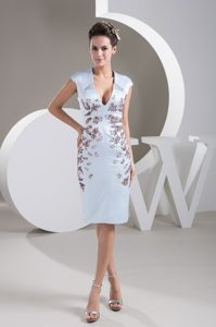 Plunging V-neck Cap Sleeve Mother of the Bride Dresses with Beads