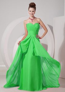 Cheap Spring Green Empire Sweetheart Prom Dress with Brush Train and Ruching