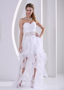 Stylish Sweetheart White Prom Dress Beaded and Ruched with Ruffles in Summer