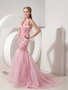 Fashionable Baby Pink Prom Evening Dress Mermaid Halter Beaded and Appliqued