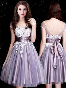 Sumptuous V-neck Short Sleeves Dama Dress Knee Length Appliques and Belt Lavender Tulle