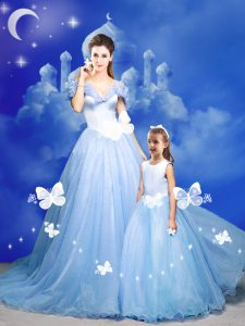 Custom Made Light Blue Tulle Zipper Off The Shoulder Sleeveless With Train Quinceanera Gowns Court Train Beading and Bow