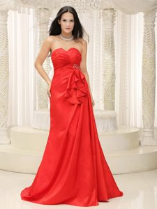 Slot Neckline Brush Train Red Ruched Celebrity Party Dress with Beading