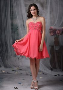 Sweetheart Knee-length Coral Red Chiffon Celebrity Party Dress with Appliques