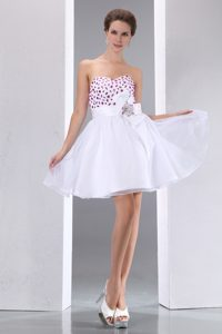 Sweetheart Mini-length White Organza Celebrity Dress with Beading and Flower