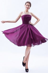 Ruched Strapless Knee-length Dark Purple Celebrity Party Dress with Appliques