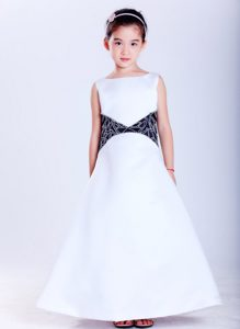 New White and Black Satin Cinderella Pageant Dress with Embroidery Decorated