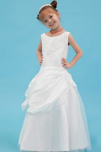 White Cinderella Pageant Dresses with Beading and Appliques for Girls