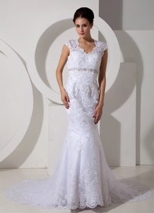 Vintage-inspired Mermaid Square Beading Bridal Dresses with Court Train in Lace