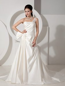 Poised A-line One Shoulder Bow Court Train Satin Wedding Dress with Appliques