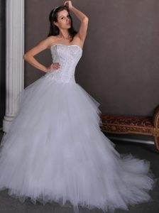 Extravagant A-line Strapless Chapel Train Dresses for Wedding and Tulle