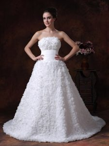 Romantic Strapless Wedding Bridal Dresses with Chapel Train with Rolling Flowers