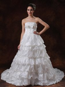 Exquisite Beaded Strapless A-line Wedding Gown in Organza with Chapel Train
