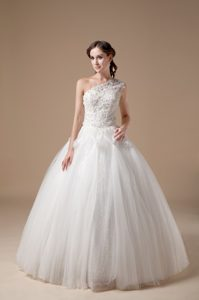Unique Ball Gown One Shoulder Wedding Dress and Tulle to Floor-length