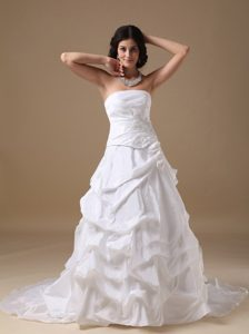 Dressy A-line White Strapless Court Train Wedding Gown with Appliques