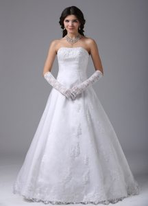 Dazzling Strapless A-line White Wedding Dress in Lace and Satin to Floor Length