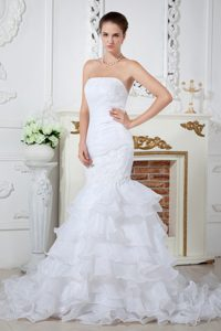 Wonderful Mermaid Strapless Organza Dresses for Wedding with Court Train