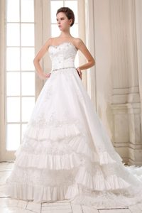 Elegant Sweetheart Court Train Wedding Bridal Gowns with Beading