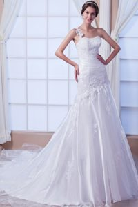 Unique Mermaid One Shoulder Chapel Train Organza Wedding Gown for Fall