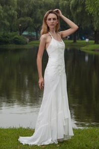 Exquisite Halter Top Sweep Train Chiffon Wedding Dresses with Embroidery
