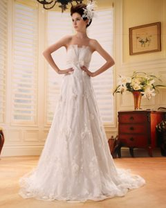 Fashionable Beaded Zipper-up Strapless Ivory Dresses for Brides under 250
