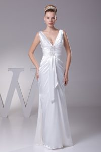Gorgeous V-neck Ruched and Beaded Long Bridal Gowns in White