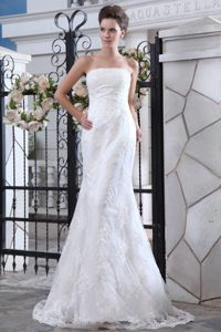 Fashionable Strapless Zipper-up Satin Wedding Bridal Gown with Brush Train