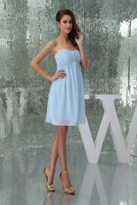 Sweetheart Knee-length Baby Blue Ruched Chiffon Cocktail Dress for Cheap