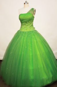 Gorgeous One Shoulder Spring Green Dress for Quince with Beading
