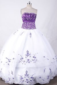 Exclusive Strapless White Organza Quinceanera Formal Dress with Embroidery