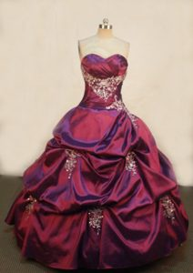 Luxurious Ball Gown Sweetheart Dresses for Quince with Appliques in
