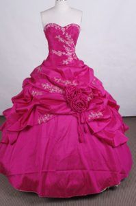 Discount Ball Gown Sweetheart Dresses for Quince with Appliques an Beading