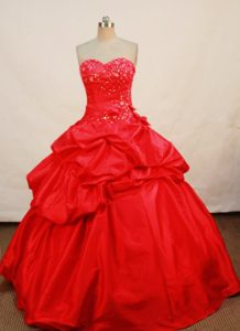 Inexpensive Hot Pink Sweetheart Quinceanera Dresses with Beading and Pick-ups