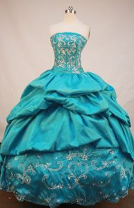 Dashing Strapless Quinceaneras Dresses Made in Blue with Appliques and Beading