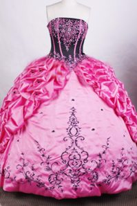 Tasty Rose Pink and Black Strapless Quinceanera Gowns with Pick-ups to Floor