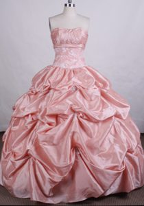 Peach Pink Urbane Strapless Quinceanera Dresses with Pick-ups Made in Taffeta