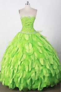Beautiful Strapless Green Quincenera Dresses with Beading for Custom Made