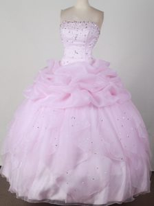 Sweet Strapless Pink Quincenera Dresses with Pick-ups and Beading for Girls