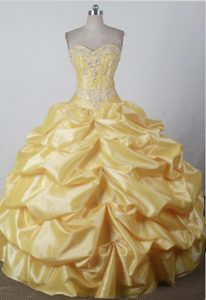 2013 Sweet Sweetheart Yellow Quincenera Dresses with Pick-ups and Beading