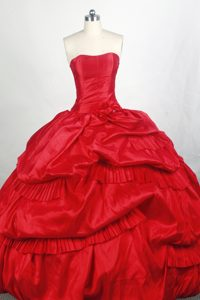 Popular Strapless Sweet Sixteen Quinceanera Dresses with Pick-ups for Girls