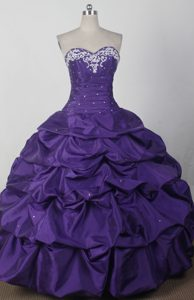 Beautiful Ball Gown Sweetheart Qunceanera Dress with Pick-ups and Beading